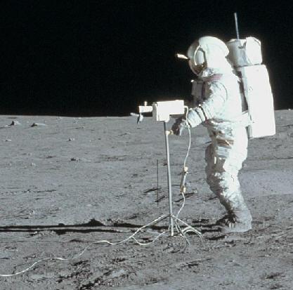 Apollo14CameraTripod.jpg